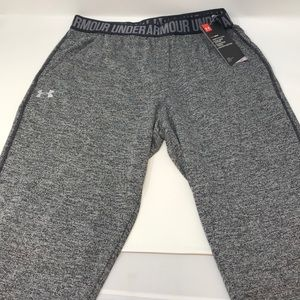 Under Armour Women PlayUp Capri Twist